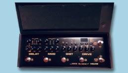 vista en caja del pedal multiefectos nux cerberus de el amir